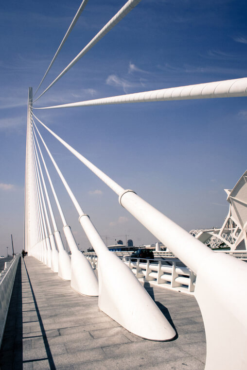 037009-valencia-strings-bridge