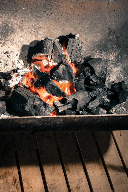 046009-barbecue-hot-embers