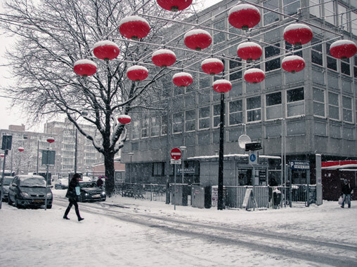 054510-snowy-den-hague-in-christmas