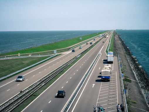066711-breezanddijk-road-holland