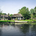 067311-giethoorn-canal-houses2